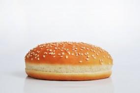 Bułka hamburgerowa z sezamem S125